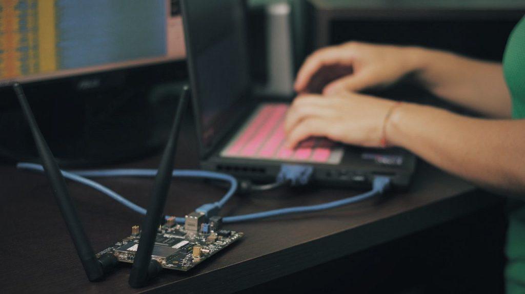 Captando señales electromágneticas por medio de la Radio Definida por Software